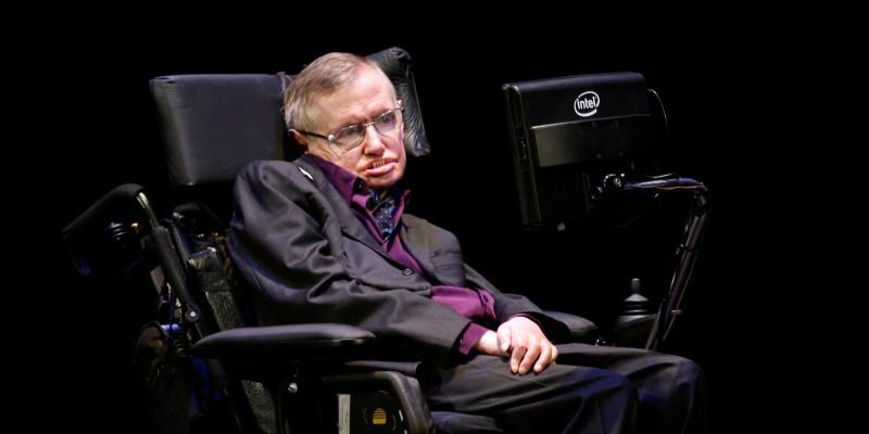 Стивен Хокинг в своей инвалидной коляске