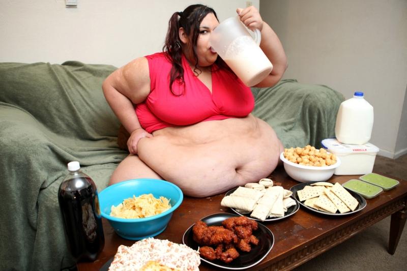 Ей бы не навредило сперва меньше есть, а затем размышлять о пилюлях